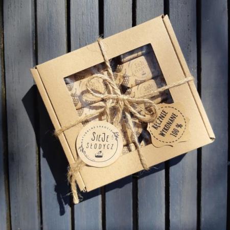 Cukierki Krówki Naturalne - Malina - pudełko 10 szt.